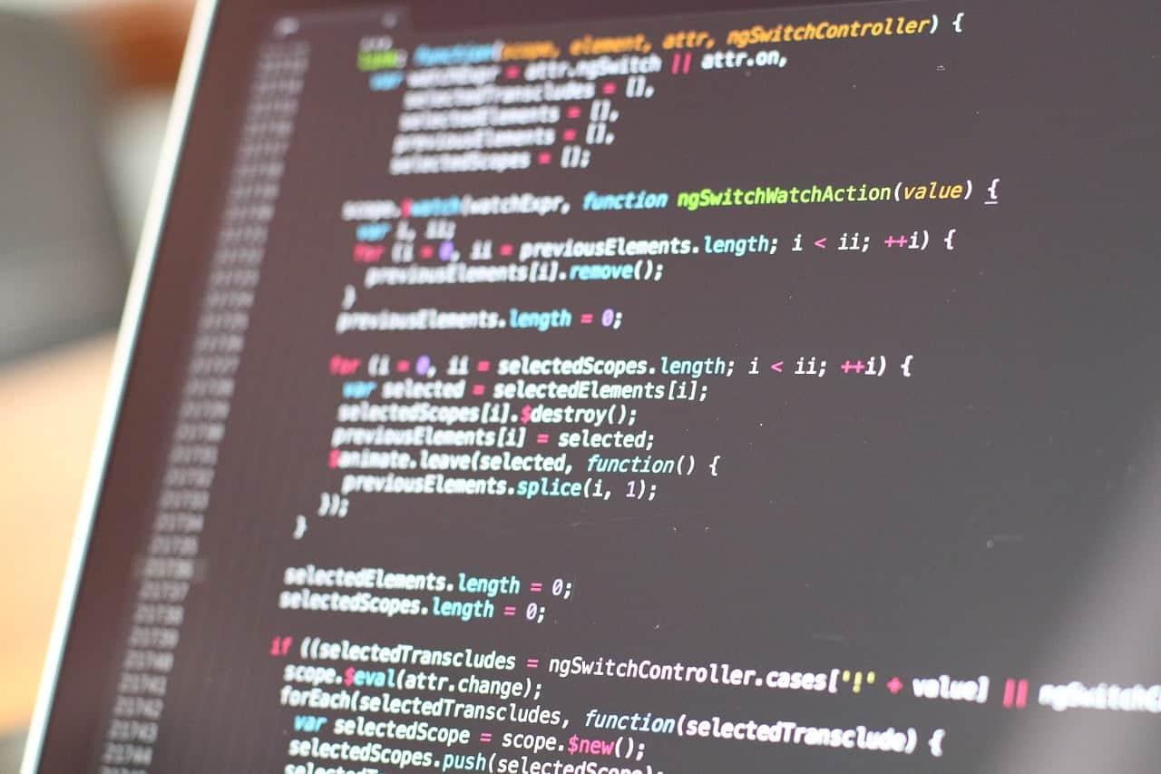 Kuva tietokoneen ruudulta, jossa PHP-koodia.